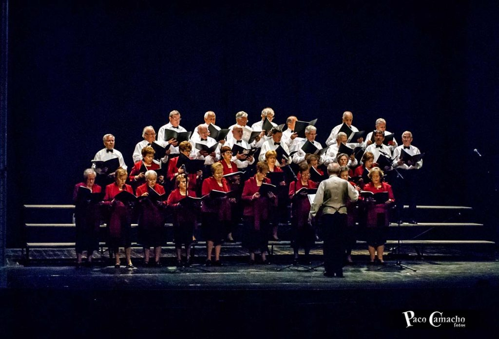 coro-lirico-del-centro-de-mayores-17-11-16_16